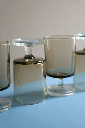 4 verres en verre fumé