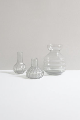 Soliflores et vase en verre fumé