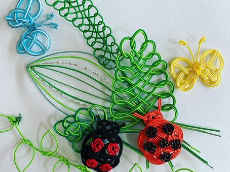 【水引で作った てんとう虫と葉っぱいろいろ】個人レッスン、83歳の生徒様の産品です。 折形礼法、水引カルチャー倶楽部