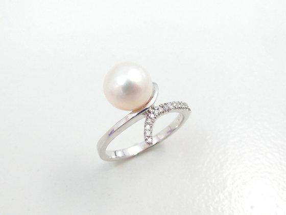 14kt White Gold Pearl & Diamond Ring