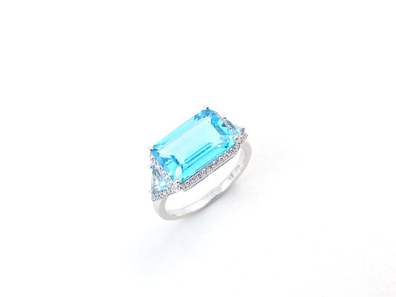 14kt White Gold Blue Topaz & Diamond Ring