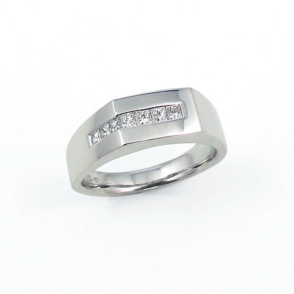 18kt White Gold Diamond Gents Ring