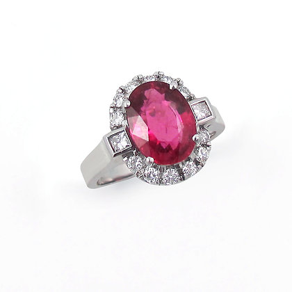 18kt White Gold Oval Tourmaline and Diamond Ring