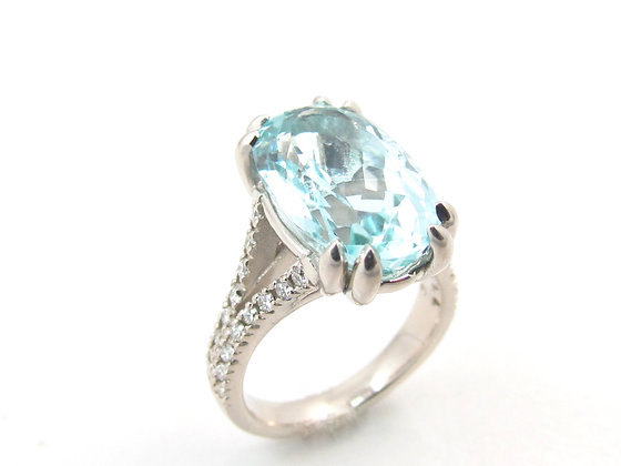 14kt White Gold Aquamarine & Diamond Ring
