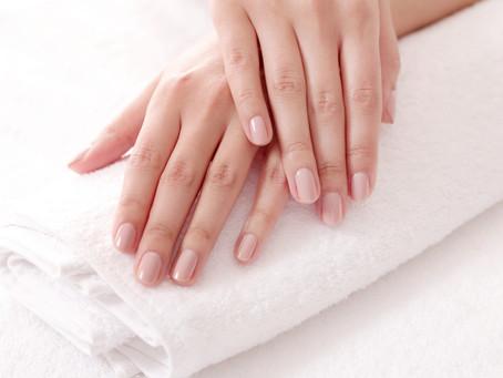 Luce uñas sanas siguiendo estos cuidados