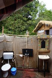 Jungle Beach Hut- Bathroom