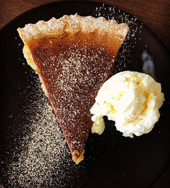 Check out our homemade pumpkin pie! Served with vanilla ice-cream and cinnamon sugar. 🎃🍨