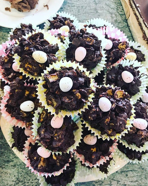 Does anything say Easter Holidays more than chocolate cornflake cakes? Us Sadlers used to make these as a family around our kitchen table ready for school bake sales and family Easter events. For us these simple little snacks are full of good memories and childhood fun. That's why they were an essential addition to our pop up cafe yesterday, it was so good to see our young guests enjoying them as much as we do!