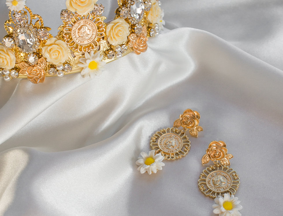 Leia Crown Headband & Matching Earring Set In Gold Daisy