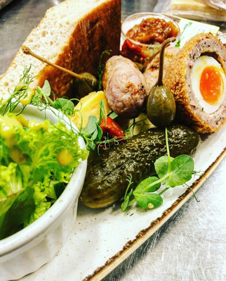 We've launched a new addition to our menu this week, the Oakington Ploughman's, it's a delicatessen delight made up of some of our favourite things from our local butchers. We love adapting our menu to work in harmony with the seasons and with the gorgeous sunny weather we're having this is a perfect light lunch option! Enjoy! ☀️