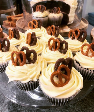 Homemade salted caramel cupcakes. Don't you just love that sweet and salty flavour combination?