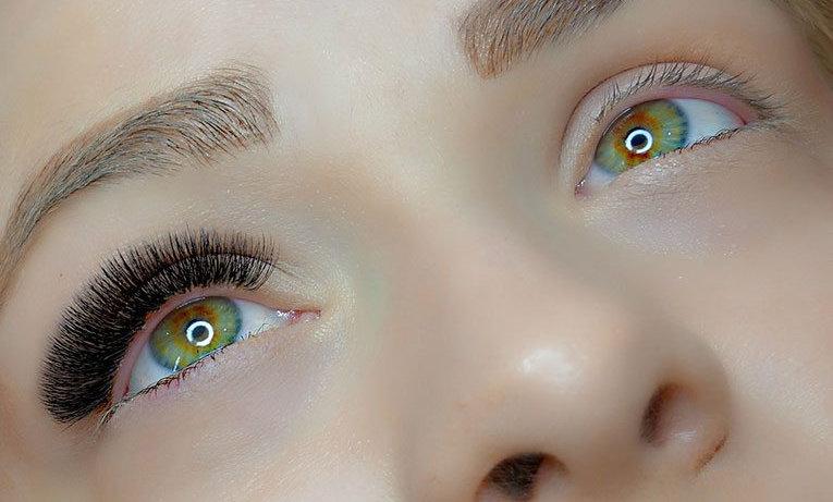 Eyelash Extensions - Russian Volume