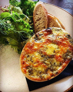 Keeping it seasonal with this smoked haddock hot pot with blue cheese and spinach. Served with crusty bread and a fresh salad. A perfect dish to warm your cockles!