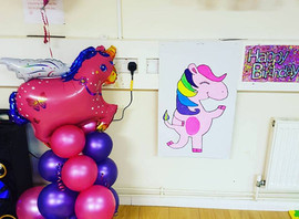 Todays party was unicorn and sparkle themed, we played pin the horn on the unicorn, crafted unicorn