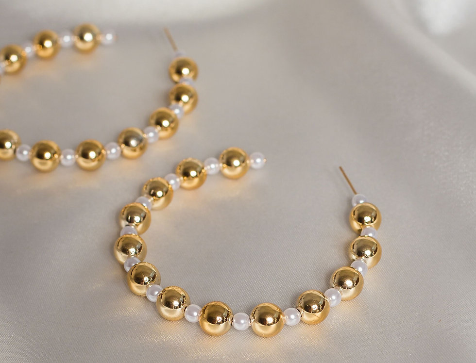 Pearl and Beaded 1/2 Hoops in Gold & Pearl