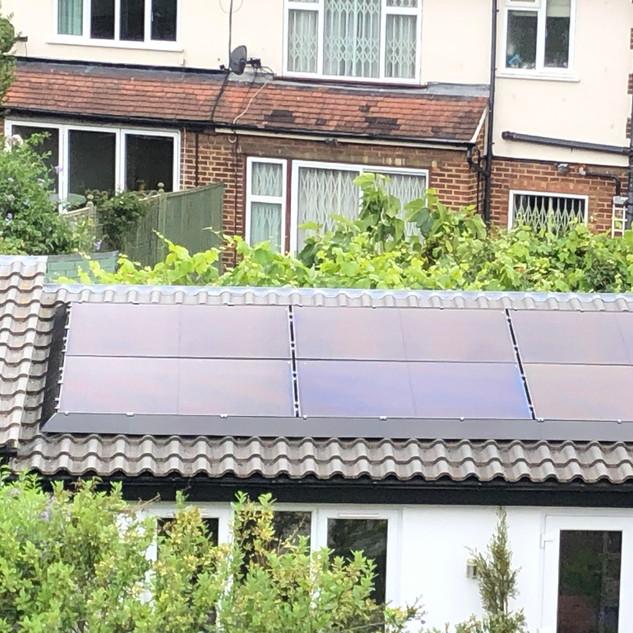 5kWp, Tesla Powerwall, SolarEdge, SolaSkirt