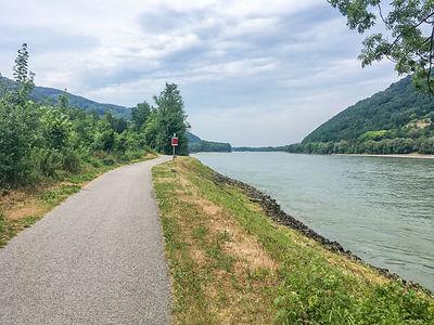 Backpacking.cz: EV6 - povodí Dunaje za Melk