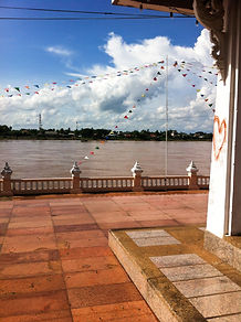 Vientiane - Nong Khai border crossing
