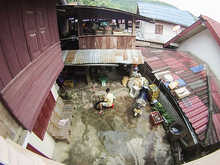 Jorge Necesario - Backpacking.cz: Low-cost traveling in Laos Muang Khua
