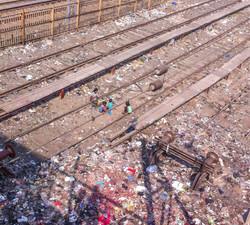 Slum v kolejišti, Mahim Junction