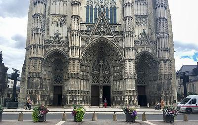 Backpacking.cz: EV6 - katedrála Tours