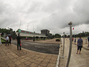 Jorge Necesario - Backpacking.cz: Low-cost traveling in Vietnam - Hanoi Mausoleum Ho Chi Minh