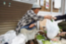 野菜売りのおばちゃん02.jpg