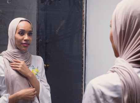 Spoken Word Poet Asma Elbadawi On Learning To Embrace Femininity & Her Natural Hair: Bustle Article