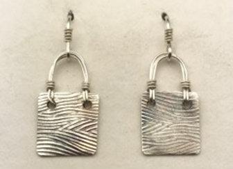 Petite wave pattern earrings