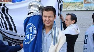 ORT Students Bring New Torah to CIM-ORT