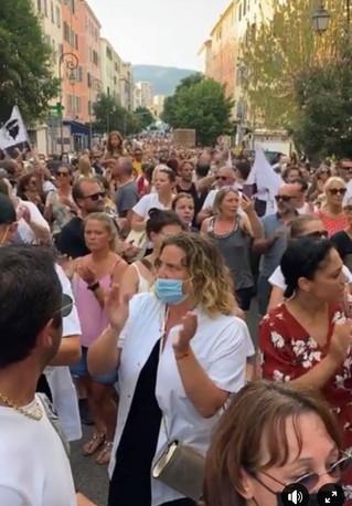 """Dittatura """"sanitaria"""" è risistenza in Corsica !"""