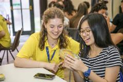 yellow-shirt-and-junior-student-ces-leeds