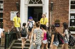 students-walking-into-ces-leeds-front-door