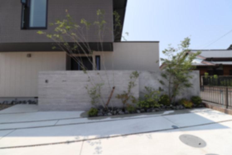 杉板タイル 門壁