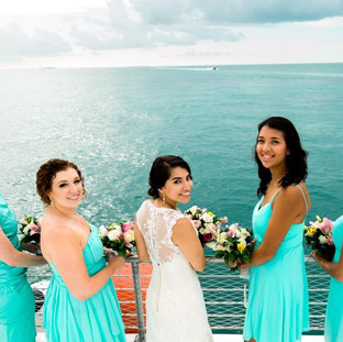 bridal party picture key west boat wedding