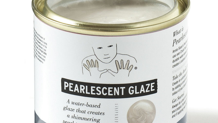 Chalk Paint® Pearlescent Glaze