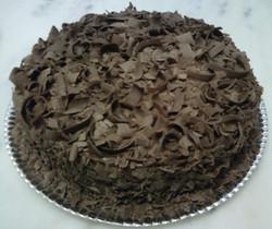 bolo chocolate com raspas de chocolate_edited.jpg