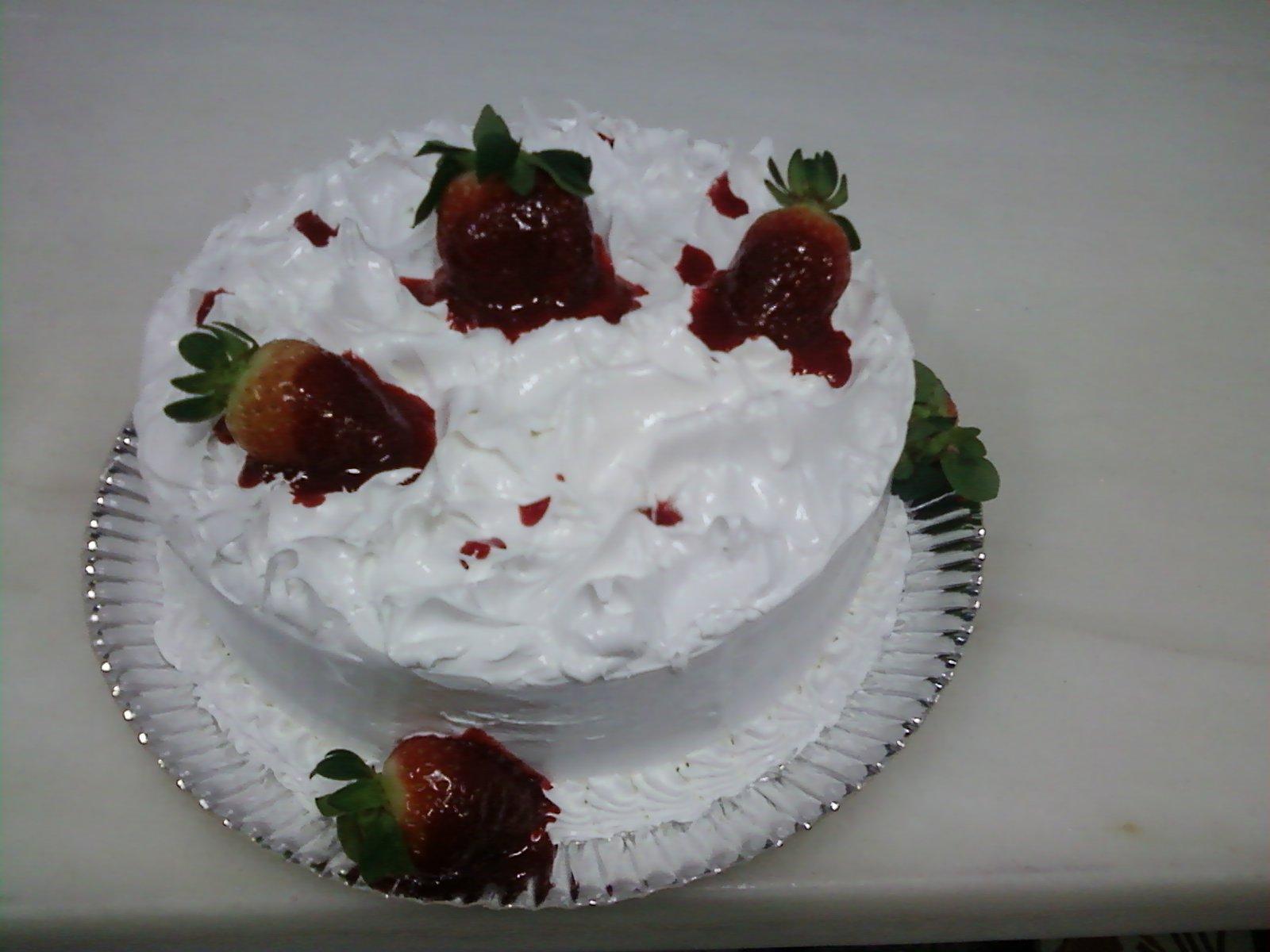 bolo branco de moragando com marshmallow.jpg