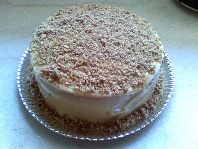 bolo branco com nozes.jpg