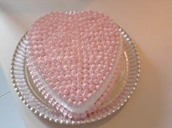 bolo_branco_e_rosa_coração.jpg