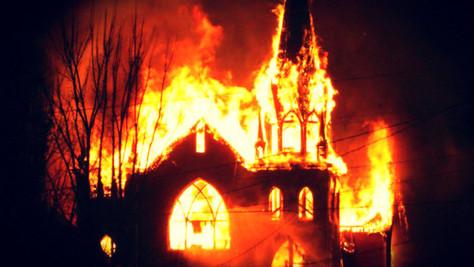 Actes anti-chrétiens: églises profanées, tout le monde s'en tape. Réagissons, bordel !