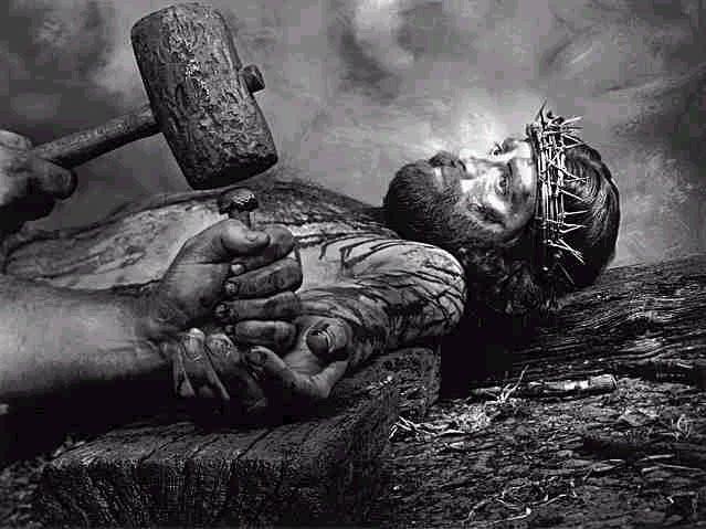 Jésus crucifié pour racheter l'humanité et quiconque croit en lui