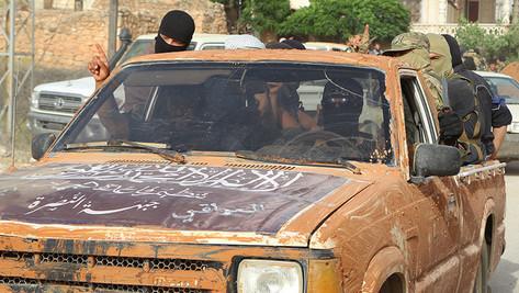 #fakenews: les USA et l'Arabie Saoudite ont-ils aidé les terroristes d'al-Nosra ?