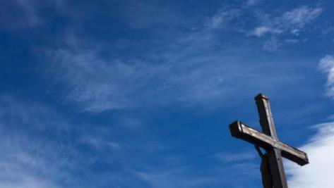 #Christianophobie: des croix sciées et jetées