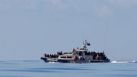 Migrants illégaux: un magistrat italien accuse les ONG de faire du trafic