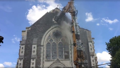 Destruction d'église...