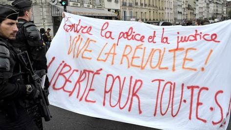 #balancetabiatche: quand les féministes incendient les casernes de gendarmes