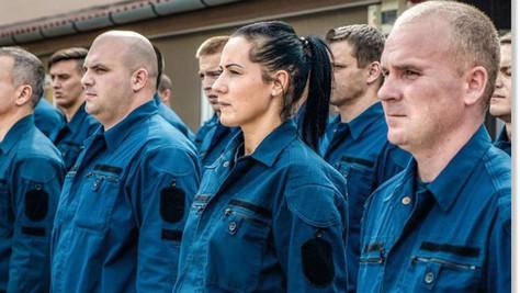 """""""Chasseurs frontaliers"""": les méthodes un peu rudes de la police hongroise"""