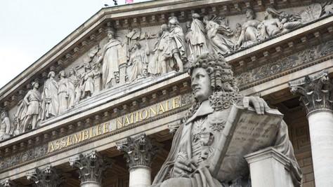 Constitution modifiée: la décadence continue