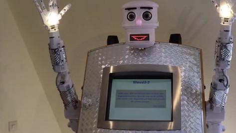 En Allemagne, un robot prêtre assure la bénédiction des fidèles